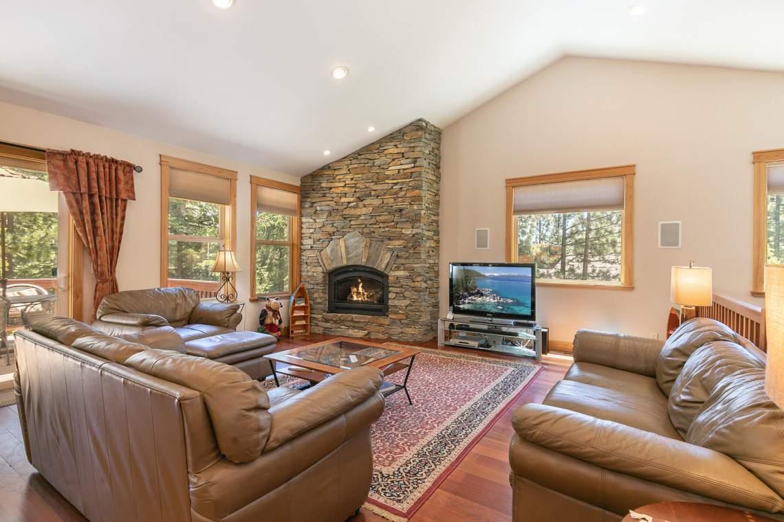 1060-Bristol-Cir-Kings-Beach-CA-96143-USA-012-028-Living-Room-MLS_Size