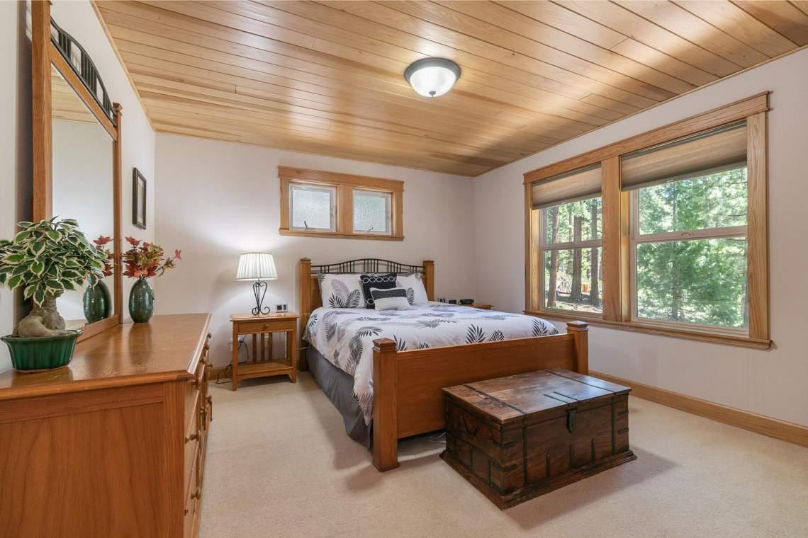 1060-Bristol-Cir-Kings-Beach-CA-96143-USA-032-018-Bedroom-One-MLS_Size