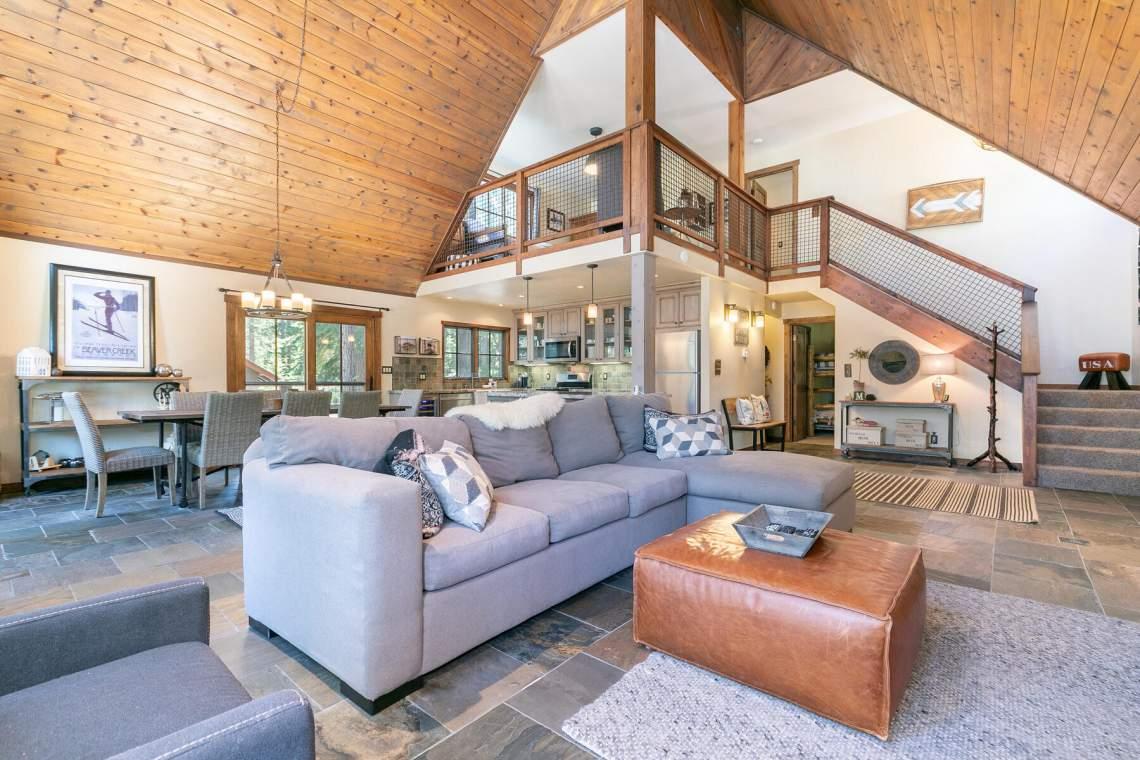 11528-Zermatt-Dr-Truckee-CA-96161-USA-036-037-Living-Room-MLS_Size