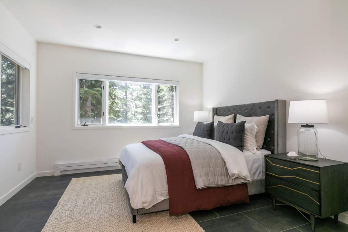 124-Hidden-Lake-Loop-Tahoe-large-037-034-Bedroom-one-1500x1000-72dpi