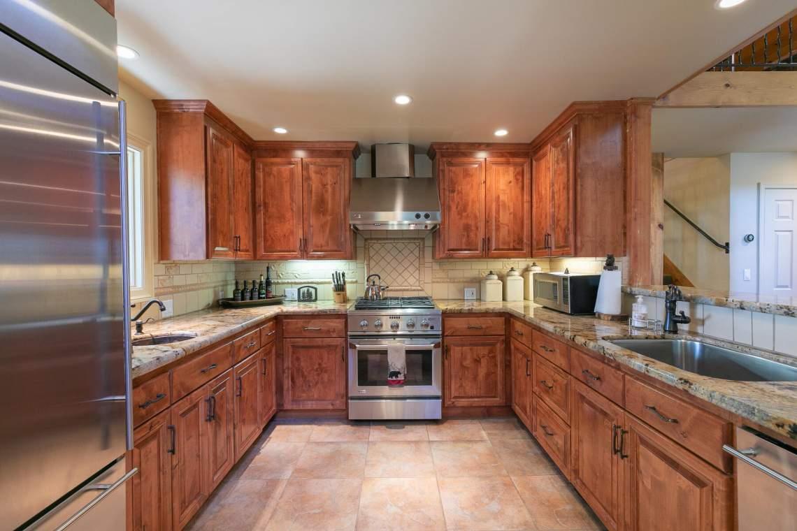 1290-Kings-Way-Tahoe-Vista-CA-96148-USA-029-030-Kitchen-MLS_Size