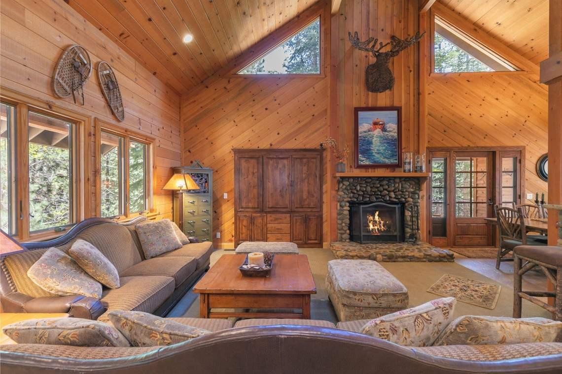 1290-Kings-Way-Tahoe-Vista-CA-96148-USA-033-040-Living-Room-MLS_Size