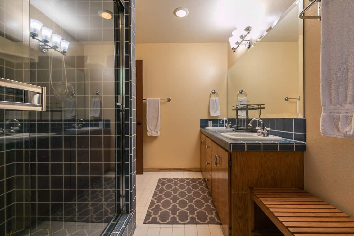 1319-Jester-Ct-Tahoe-Vista-CA-96148-USA-019-022-Bathroom-Two-MLS_Size