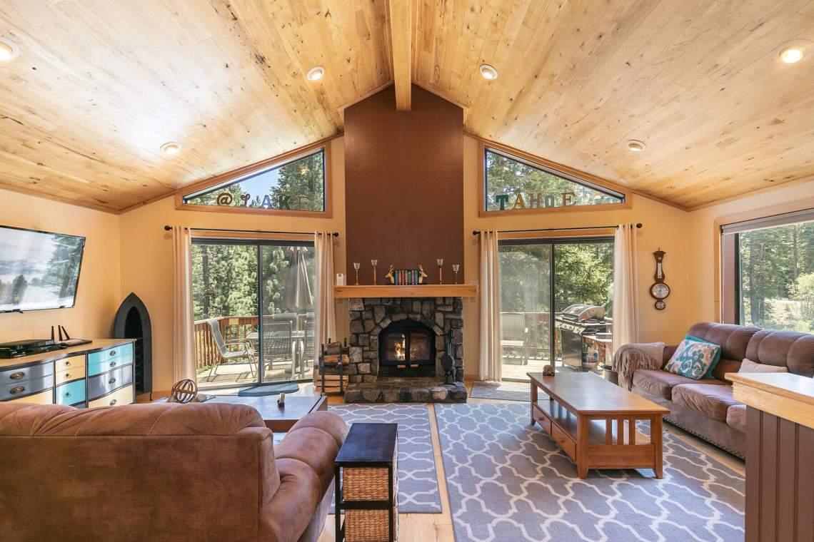 1319-Jester-Ct-Tahoe-Vista-CA-96148-USA-033-035-Living-Room-MLS_Size