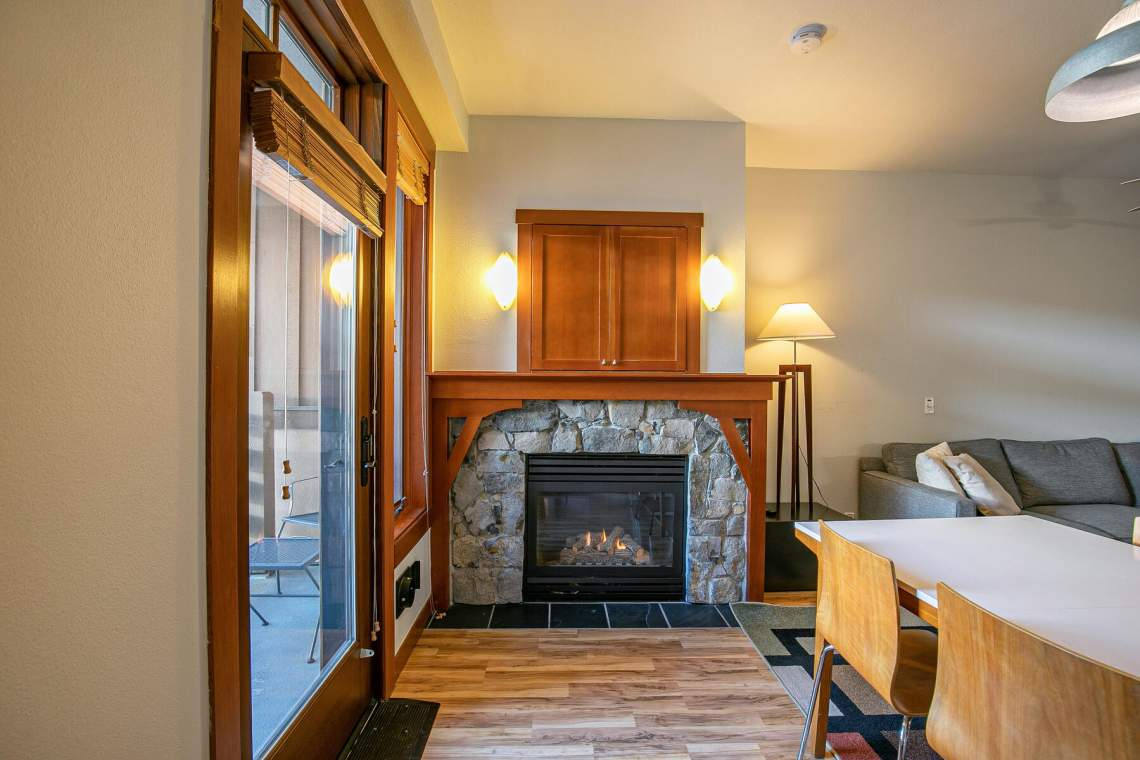 1750-Village-East-Rd-Unit-309-023-014-Dining-Room-MLS_Size