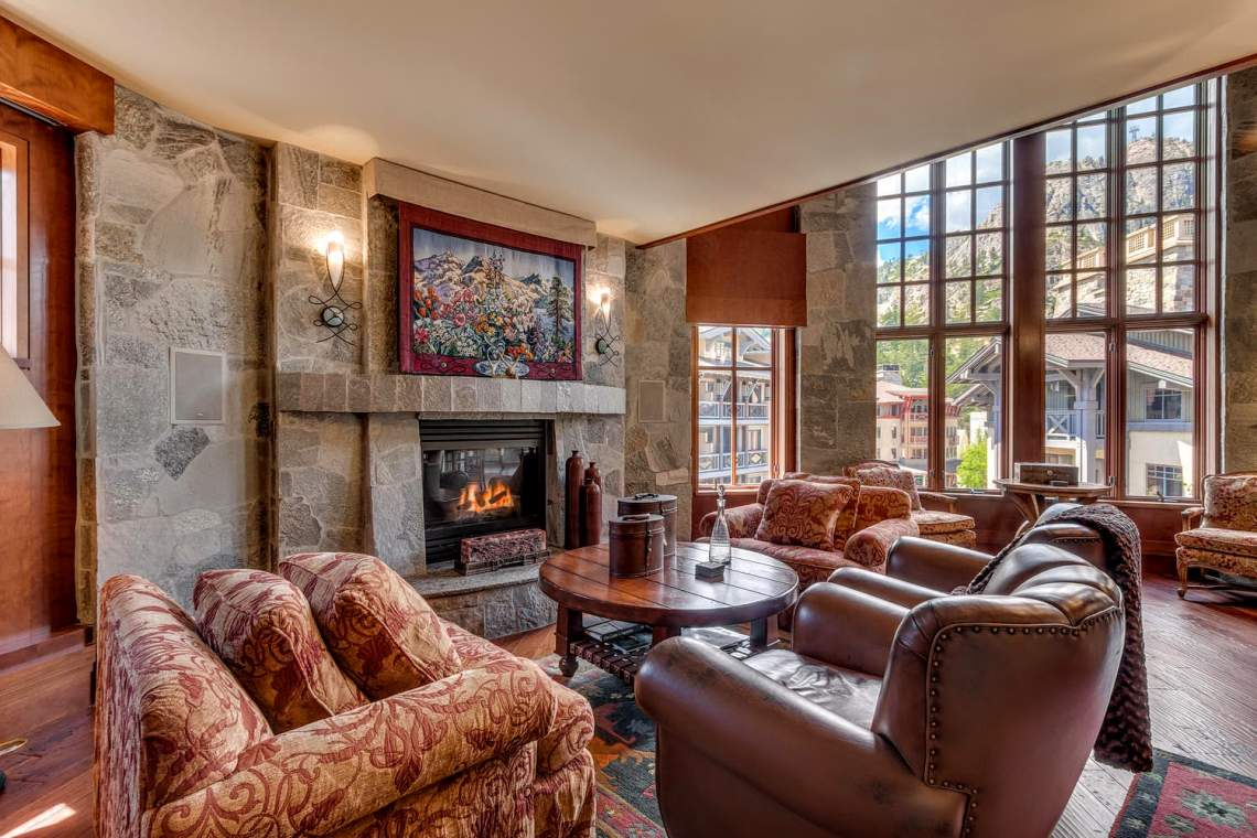 1850-Squaw-Valley-Rd-4426-428-large-007-20-Living-Room-1500x1000-72dpi
