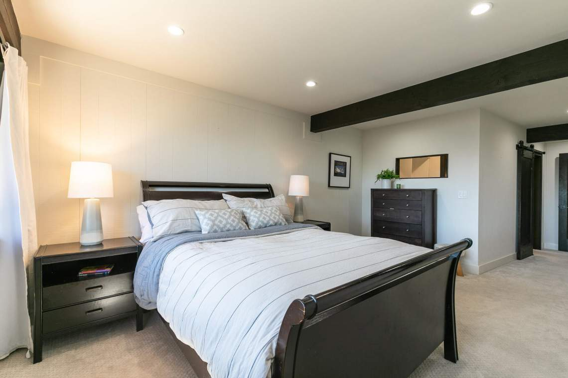 19-Lassen-Dr-Tahoe-City-CA-96145-USA-035-031-Bedroom-Two-MLS_Size