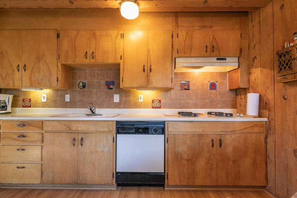 2101-Green-Glen-Ct-Tahoe-City-CA-96145-USA-037-030-Kitchen-MLS_Size