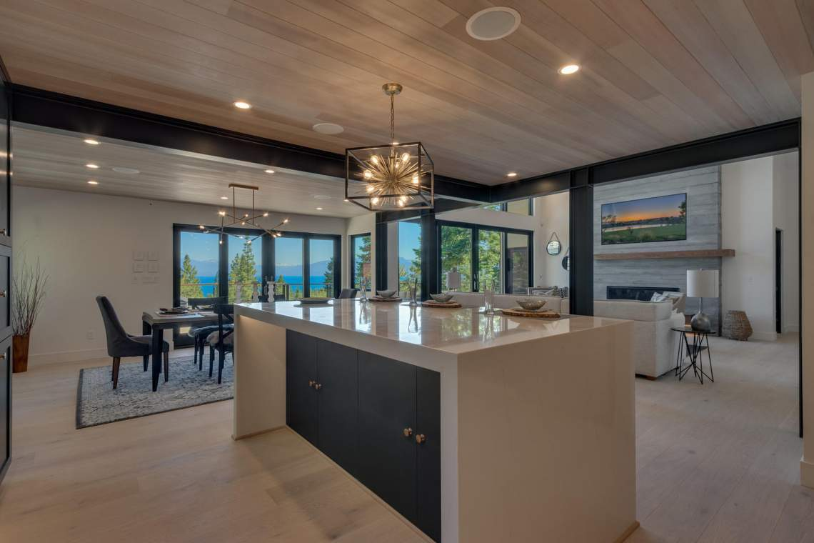 240-Briarwood-Cir-Tahoe-City-large-009-023-Kitchen-1500x1000-72dpi