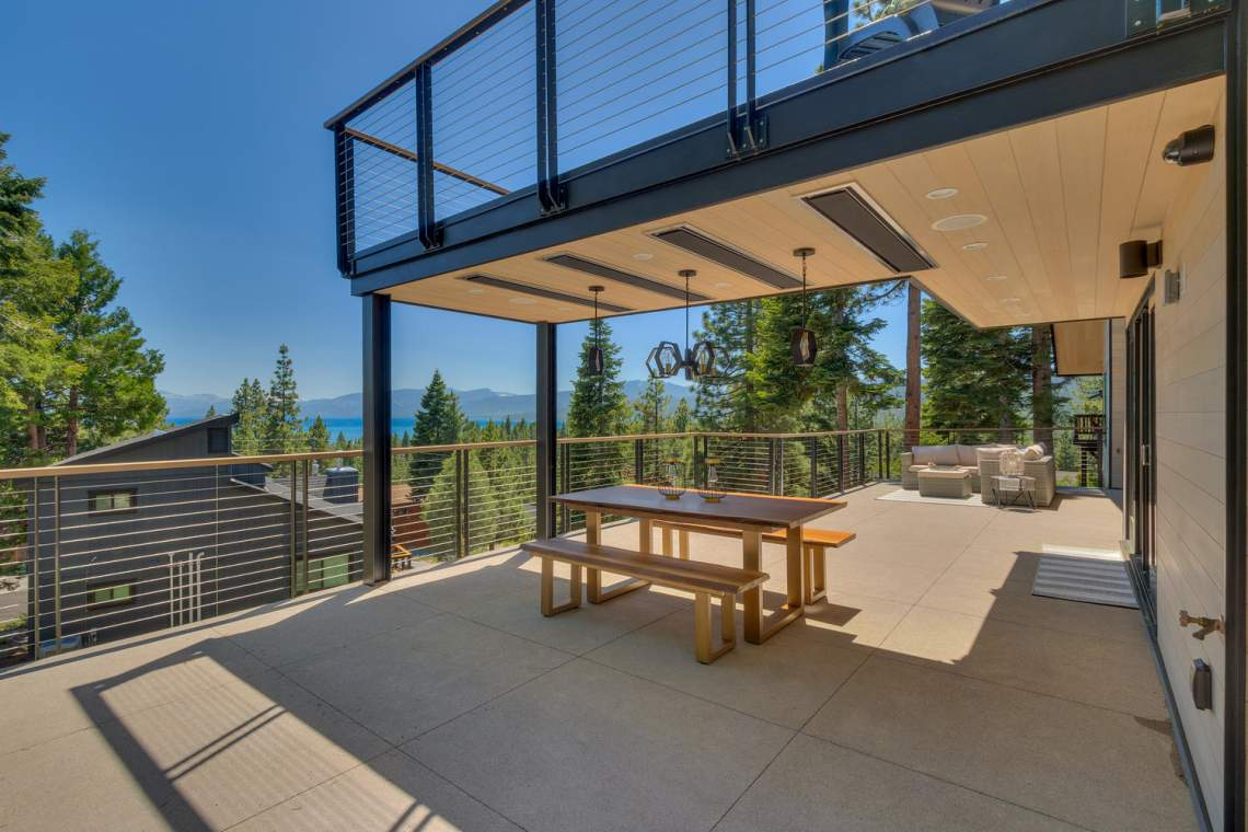 240-Briarwood-Cir-Tahoe-City-large-013-031-Main-Patio-1500x1000-72dpi