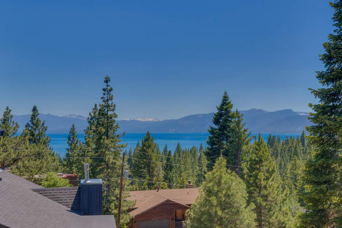 240-Briarwood-Cir-Tahoe-City-large-014-001-View-1500x1000-72dpi