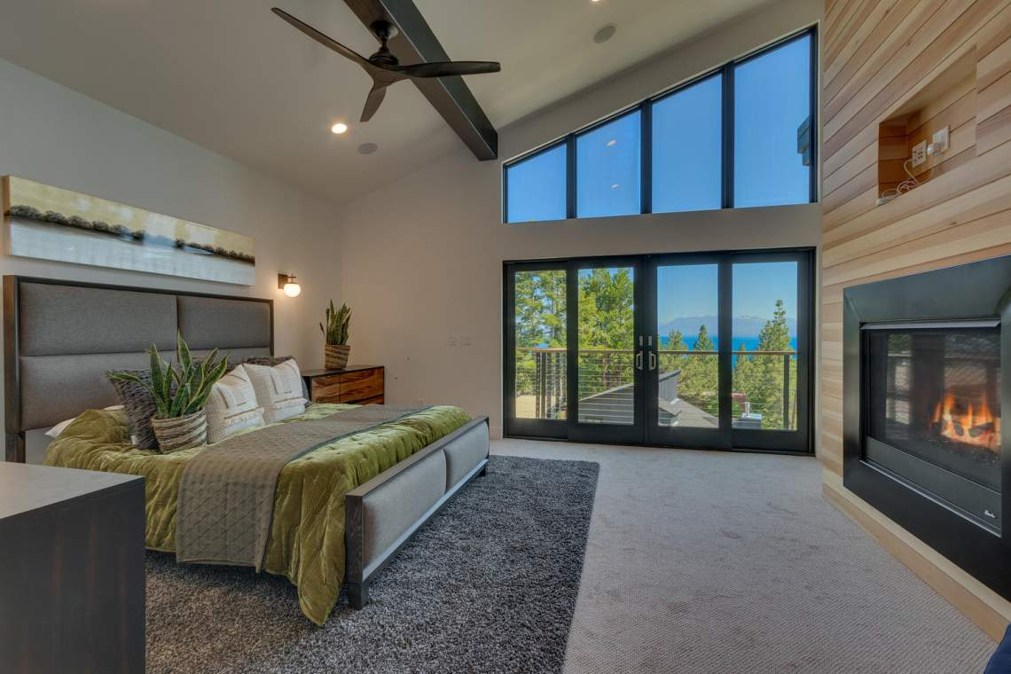 240-Briarwood-Cir-Tahoe-City-large-028-038-Bedroom-En-suite-1500x1000-72dpi