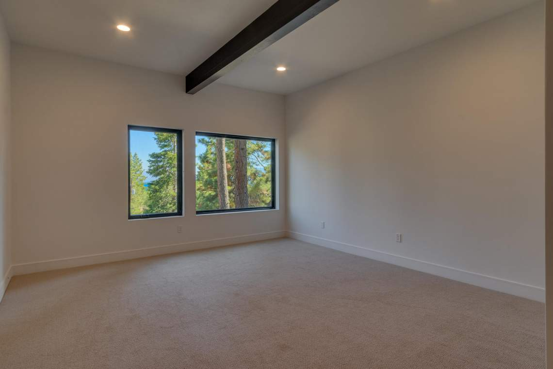 240-Briarwood-Cir-Tahoe-City-large-033-027-Bedroom-1500x1000-72dpi