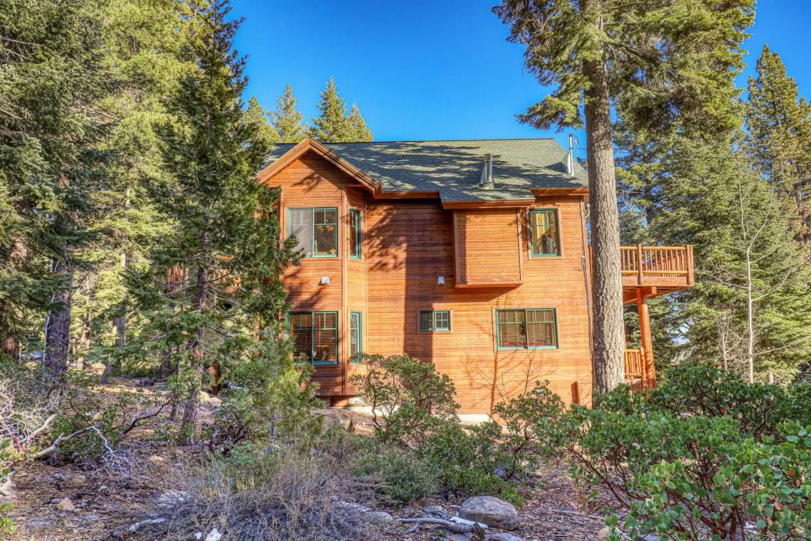 517-Fir-Pl-Tahoe-Vista-CA-004-009-Exterior-MLS_Size