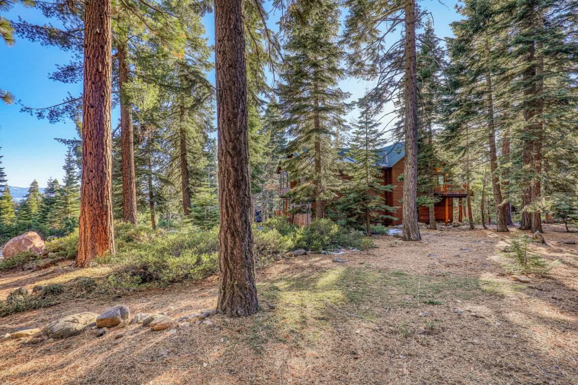 517-Fir-Pl-Tahoe-Vista-CA-006-014-Exterior-MLS_Size