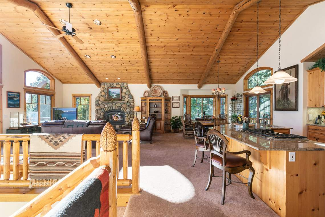 517-Fir-Pl-Tahoe-Vista-CA-011-042-Living-Room-MLS_Size