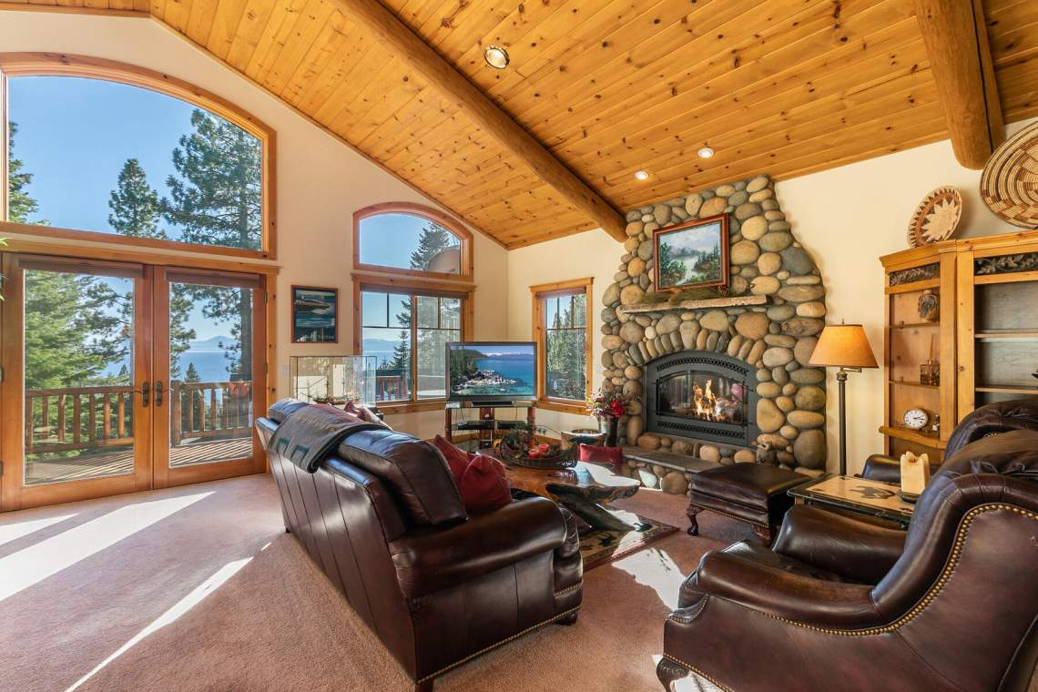 517-Fir-Pl-Tahoe-Vista-CA-012-047-Living-Room-MLS_Size