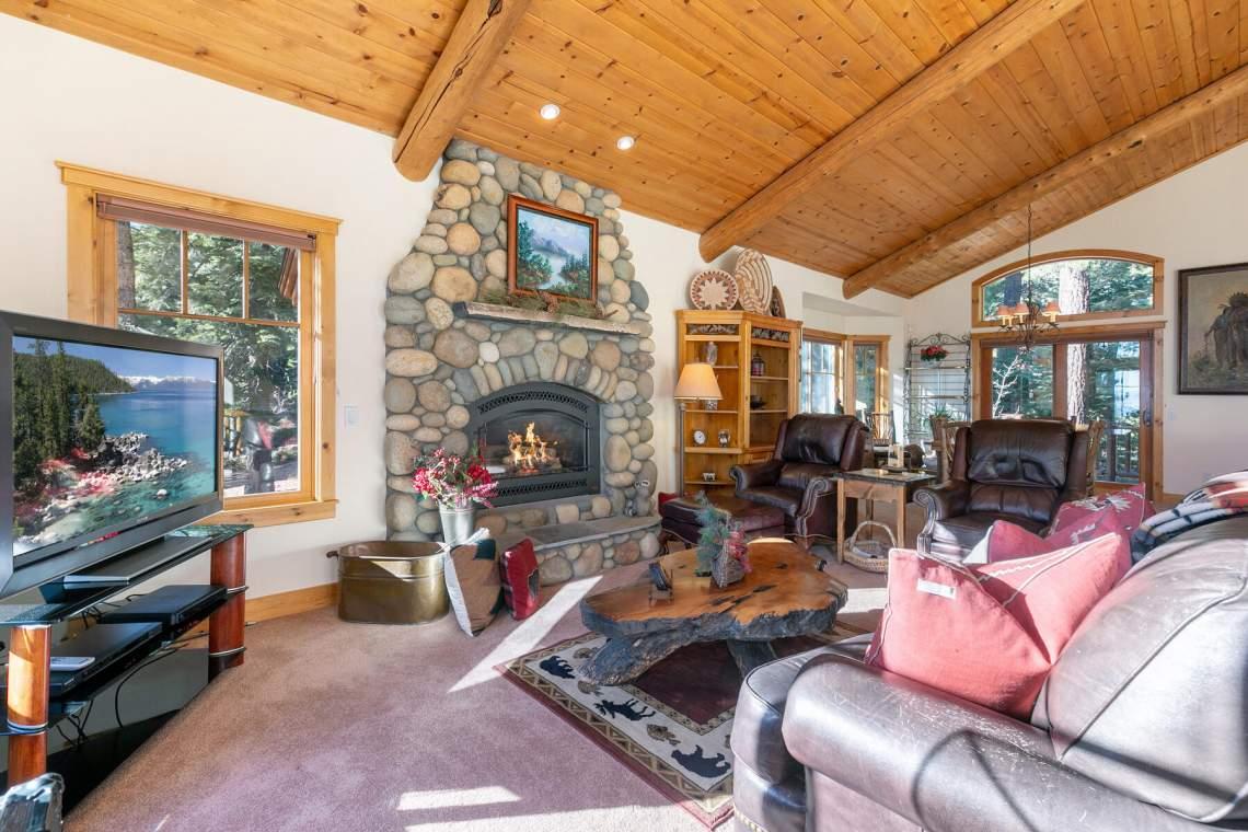 517-Fir-Pl-Tahoe-Vista-CA-013-044-Living-Room-MLS_Size