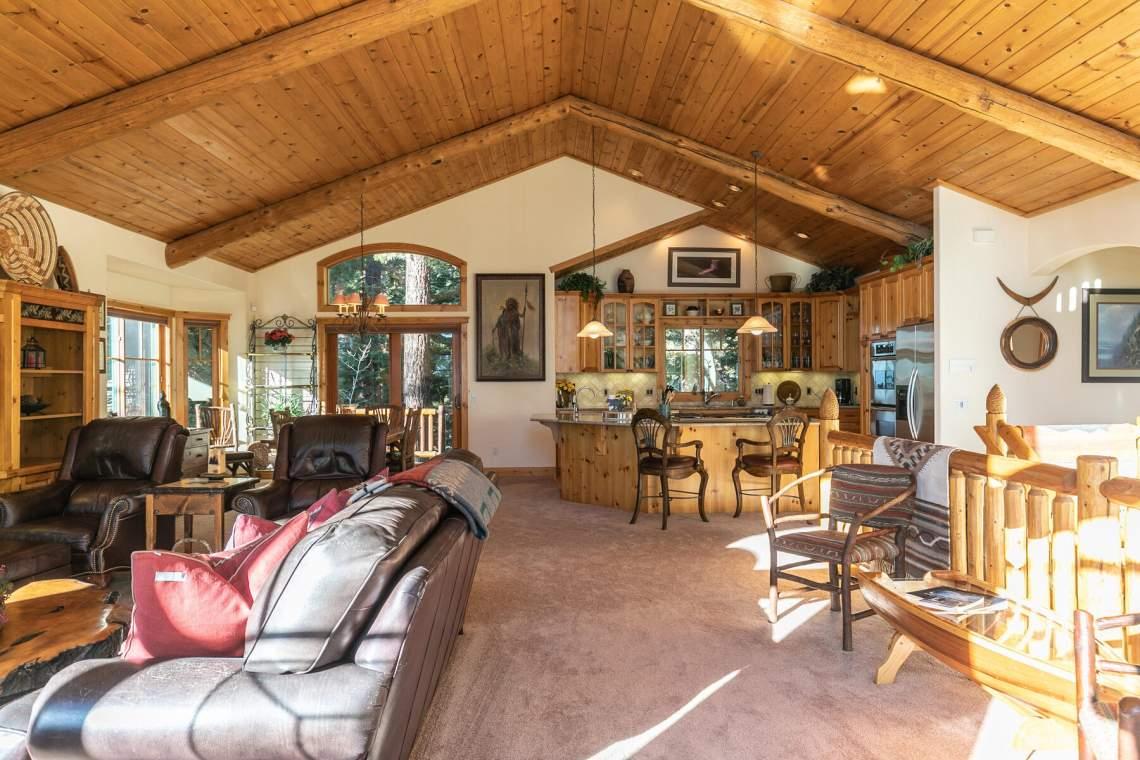 517-Fir-Pl-Tahoe-Vista-CA-014-046-Living-Room-MLS_Size