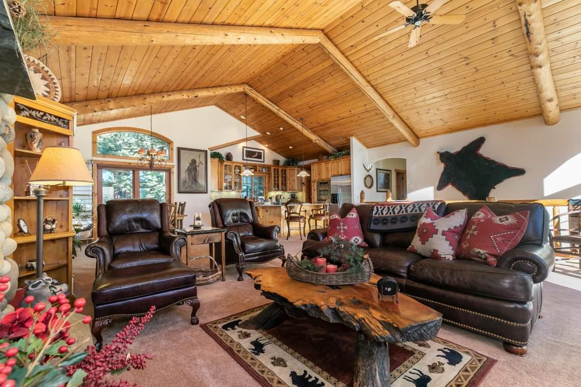 517-Fir-Pl-Tahoe-Vista-CA-015-043-Living-Room-MLS_Size