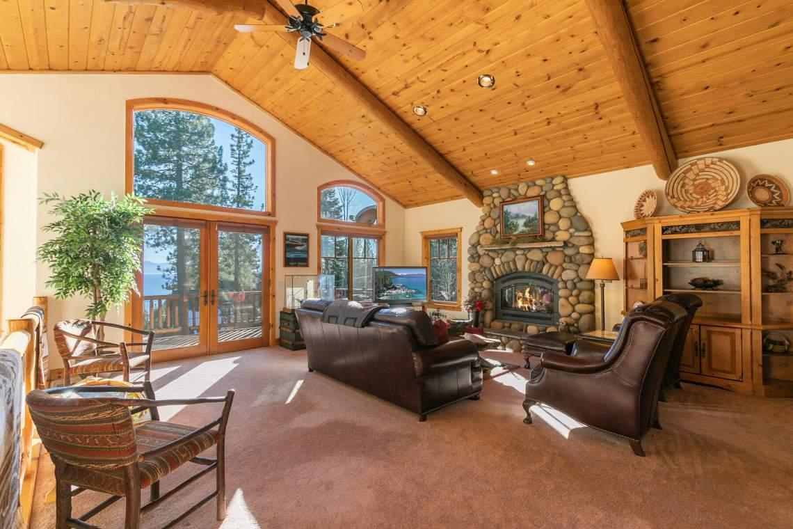 517-Fir-Pl-Tahoe-Vista-CA-016-048-Living-Room-MLS_Size