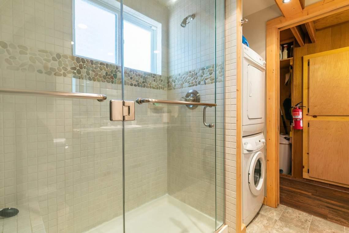 6120-Lark-Dr-Tahoma-CA-96142-USA-016-021-Bathroom-One-MLS_Size