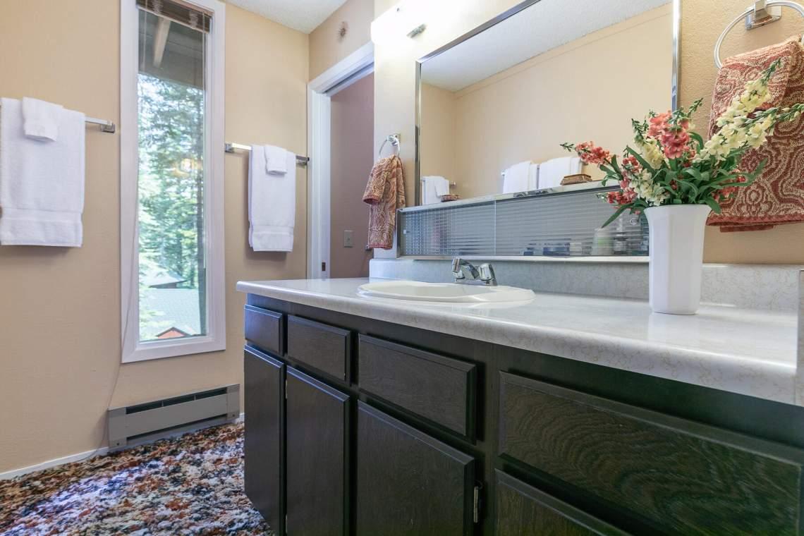 8709-King-George-Dr-Tahoma-CA-96142-USA-023-001-Bathroom-Two-MLS_Size