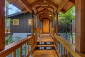 NEW LISTING – A GREAT YEAR-ROUND RETREAT IN THIS DELIGHTFUL & SUNNY SQUAW VALLEY MOUNTAIN HOME